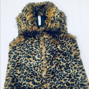 CHEETAH FAUX FUR VEST SIZE 7/8